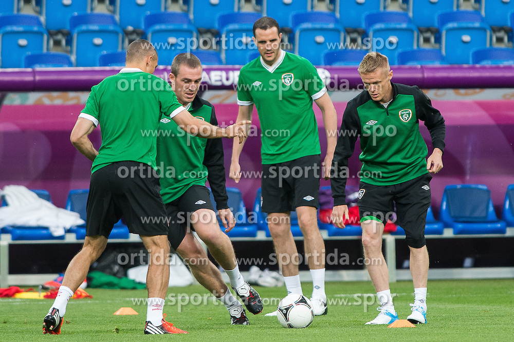 09.06.2012, Stadion Miejski, Poznan, POL, UEFA EURO 2012, Tschechische Republik, Training, im Bild RICHARD DUNNE, JOHN O'SHEA, DAMIEN DUFF,  during the during EURO 2012 Trainingssession of Ireland Nationalteam, at the stadium Miejski, Poznan, Poland on 2012/06/09
