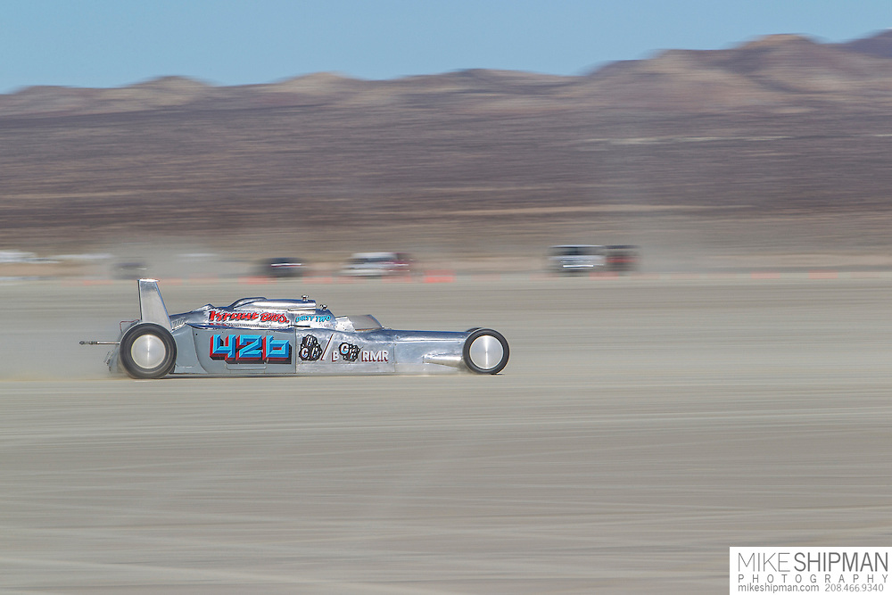 Kraut Bros, 426, eng C, body BGRMR, driver William Boelcke, 212.344 mph, previous record 211.845