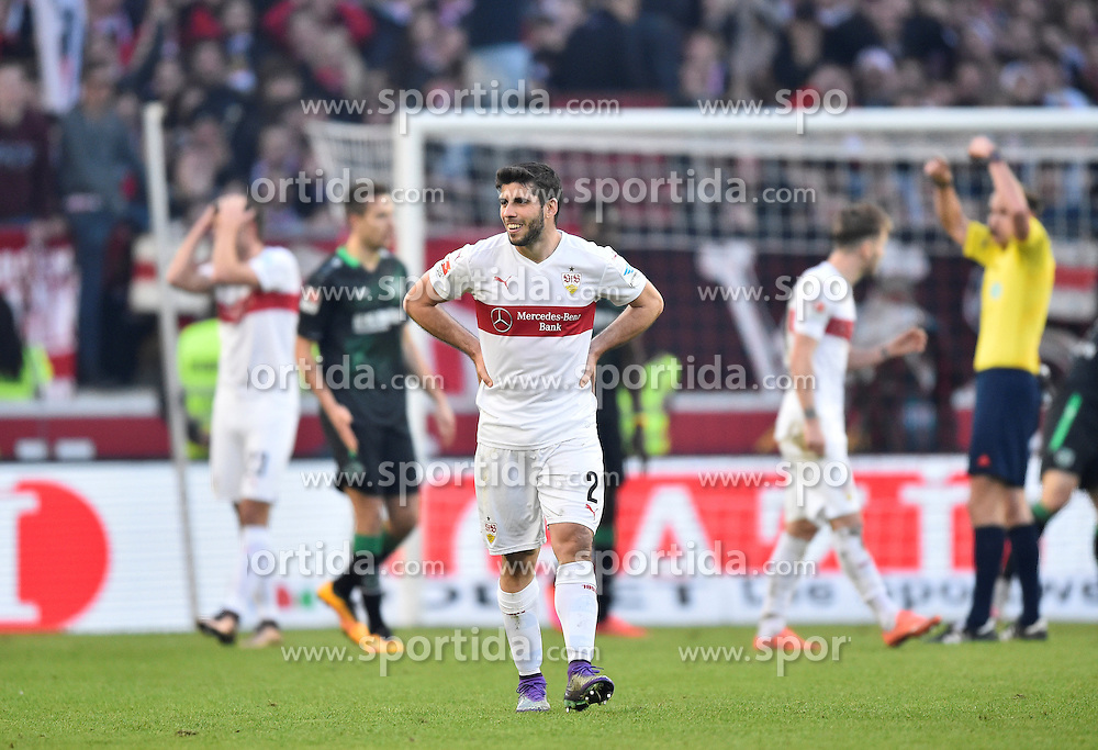 27.02.2016, Mercedes Benz Arena, Stuttgart, GER, 1. FBL, VfB Stuttgart vs Hannover 96, 23. Runde, im Bild Ein enttaeuschter Emiliano Insua VfB Stuttgart (Mitte) // during the German Bundesliga 23th round match between VfB Stuttgart and Hannover 96 at the Mercedes Benz Arena in Stuttgart, Germany on 2016/02/27. EXPA Pictures &copy; 2016, PhotoCredit: EXPA/ Eibner-Pressefoto/ Weber<br /> <br /> *****ATTENTION - OUT of GER*****