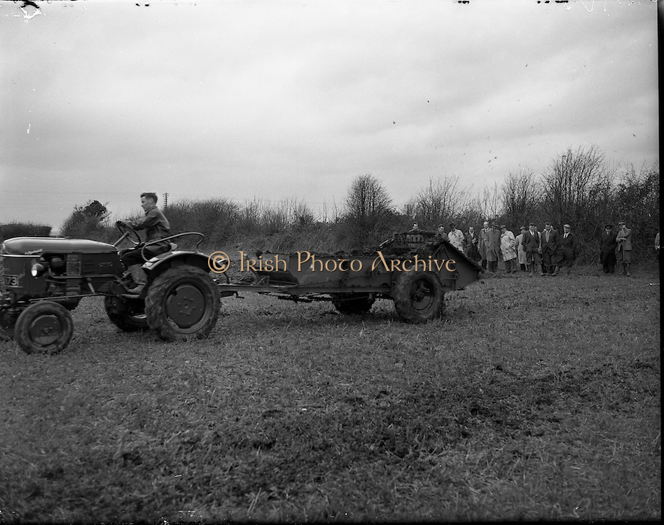 04/04/1960.04/04/1960.04 April 1960.Deutz tractor demonstrations at Collinstown.