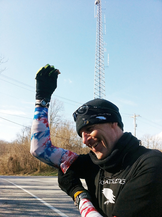 Gary Allen runs 700 miles from Maine to DC: refueling stop along road
