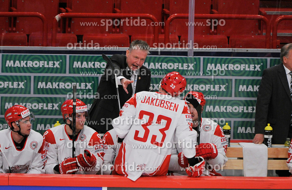 11.05.2013, Globe Arena, Stockholm, SWE, IIHF, Eishockey WM, Schweiz vs Daenemark, im Bild Denmark Head Coach Per B?ckman coachar team // during the IIHF Icehockey World Championship Game between Switzerland and Danmark at the Ericsson Globe, Stockholm, Sweden on 2013/05/11. EXPA Pictures © 2013, PhotoCredit: EXPA/ PicAgency Skycam/ Simone Syversson..***** ATTENTION - OUT OF SWE *****
