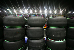 Motorsports / Formula 1: World Championship 2010, GP of Singapore, tyres, tires, Reifen, Reifenstapel
