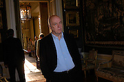 James Fenton. Easton Neston reception hosted by Sotheby's. 13 May 2005. ONE TIME USE ONLY - DO NOT ARCHIVE  © Copyright Photograph by Dafydd Jones 66 Stockwell Park Rd. London SW9 0DA Tel 020 7733 0108 www.dafjones.com