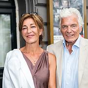 NLD/Amsterdam/20170823 - Premiere Grootste Zwanenmeer ter wereld, Ben Cramer en partner Carla van der Waal