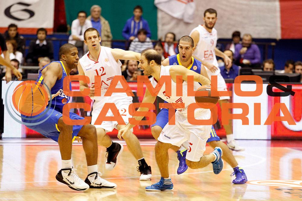DESCRIZIONE : Milano Eurolega 2011-12 EA7 Emporio Armani Milano Maccabi Electra Tel Aviv<br /> GIOCATORE : Jacopo Giachetti<br /> CATEGORIA : Palleggio<br /> SQUADRA : EA7 Emporio Armani Milano<br /> EVENTO : Eurolega 2011-2012<br /> GARA : EA7 Emporio Armani Milano Maccabi Electra Tel Aviv<br /> DATA : 20/10/2011<br /> SPORT : Pallacanestro <br /> AUTORE : Agenzia Ciamillo-Castoria/G.Cottini<br /> Galleria : Eurolega 2011-2012<br /> Fotonotizia : Milano Eurolega 2011-12 EA7 Emporio Armani Milano Maccabi Electra Tel Aviv<br /> Predefinita :
