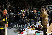 DESCRIZIONE : Caserta Lega A 2014-15 Pasta Reggia Caserta Openjobmetis Varese<br /> GIOCATORE : tifosi Pasta Reggia Caserta<br /> CATEGORIA : tifosi proteste<br /> SQUADRA : Pasta Reggia Caserta<br /> EVENTO : Campionato Lega A 2014-2015<br /> GARA : Pasta Reggia Caserta Openjobmetis Varese<br /> DATA : 21/12/2014<br /> SPORT : Pallacanestro <br /> AUTORE : Agenzia Ciamillo-Castoria/A. De Lise<br /> Galleria : Lega Basket A 2014-2015 <br /> Fotonotizia : Caserta Lega A 2014-15 Pasta Reggia Caserta Openjobmetis Varese