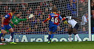 Picture by David Horn/Focus Images Ltd +44 7545 970036<br /> 09/11/2013<br /> Romelu Lukaku of Everton (right) misses a good chance to put Everton in the lead during the Barclays Premier League match at Selhurst Park, London.