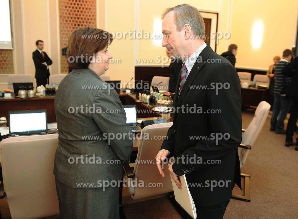 22.11.2011, Kanzleramt, Warschau, POL, erste Sitzung der neuen Regierung von Donald Tusk, im Bild KAZIMIERZ UJAZDOWSKI // during the first meeting of the new Government Prime Minister Donald at the Chancellery in Warsaw, POL on 22.11.2011. EXPA Pictures © 2011, PhotoCredit: EXPA/ Newspix/ Damian Burzykowski..***** ATTENTION - for AUT, SLO, CRO, SRB, SUI and SWE only *****