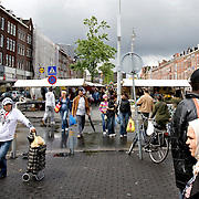 Nederland Rotterdam 19 juli 2008 20080720 Foto: David Rozing .Serie achterstandswijk Afrikaanderwijk. Drukte tijdens markt  op Afrikaanderplein.  ..Foto David Rozing