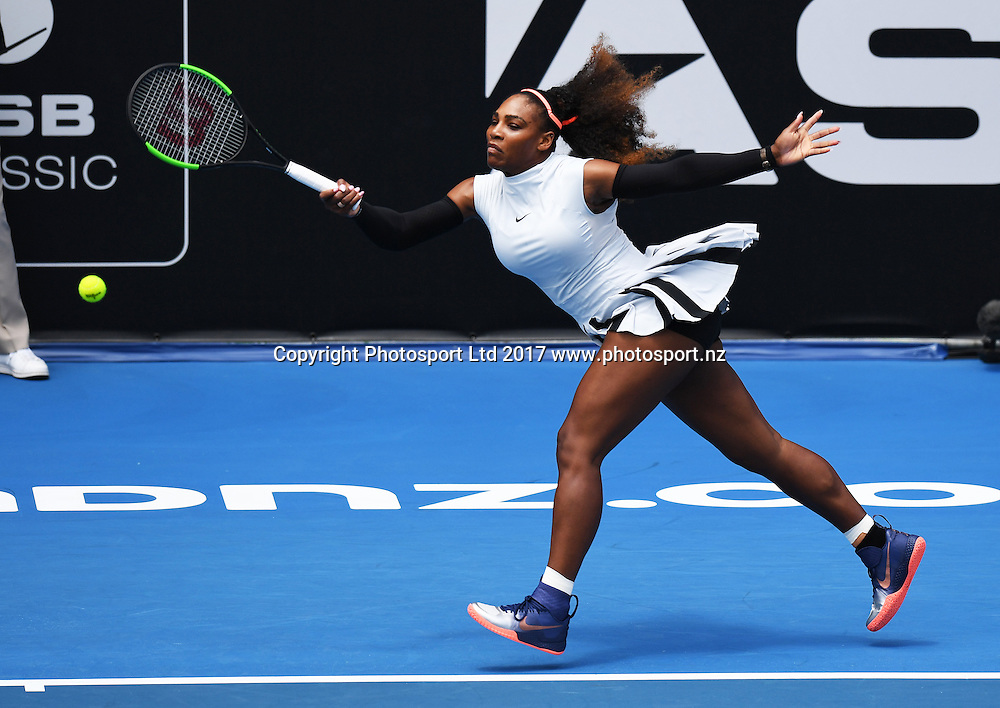 Serena Williams in action during her first round singles match at the ASB Classic. WTA Womens Tournament. ASB Tennis Centre, Auckland, New Zealand. Tuesday 3 January 2017. © Copyright photo: Andrew Cornaga / www.photosport.nz