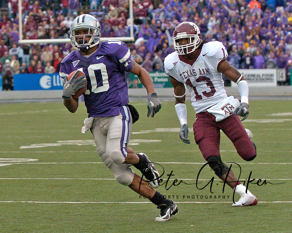 Kansas State wide receiver Jermaine Moreira (10) sprints past Texas A&M defensive back Marquis Carpenter (13) for a 42-yard touchdown in the fourth quarter at KSU Stadium in Manhattan, Kansas, October 22, 2005.  The Aggies beat K-State 30-28.