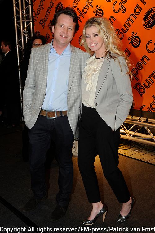 Buma Harpen Gala 2011 AWARDS vanuit de Vredenburg Leidsche Rijn , Utrecht.<br /> <br /> Op de foto:  Brigitte Nijman en partner