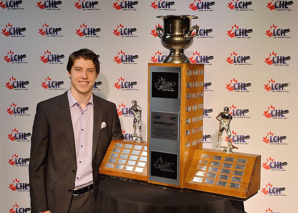 2015-16 Sportsnet CHL Player of the Year Award recipient Mitch Marner at the ENMAX Centrium in Red Deer, Alberta on Saturday May 28, 2016. Photo by Terry Wilson / CHL Images.