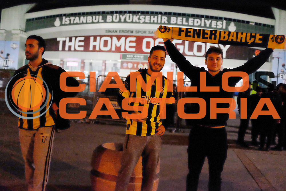 tifosi Fenerbahce Istanbul<br /> Fenerbahce Istanbul - Olympiakos Piraeus<br /> Euroleague Final Four 2017<br /> Finale 1 - 2 Posto<br /> Euroleague 2016/2017<br /> Istanbul, 21/05/2017<br /> Foto M.Ceretti / Ciamillo - Castoria
