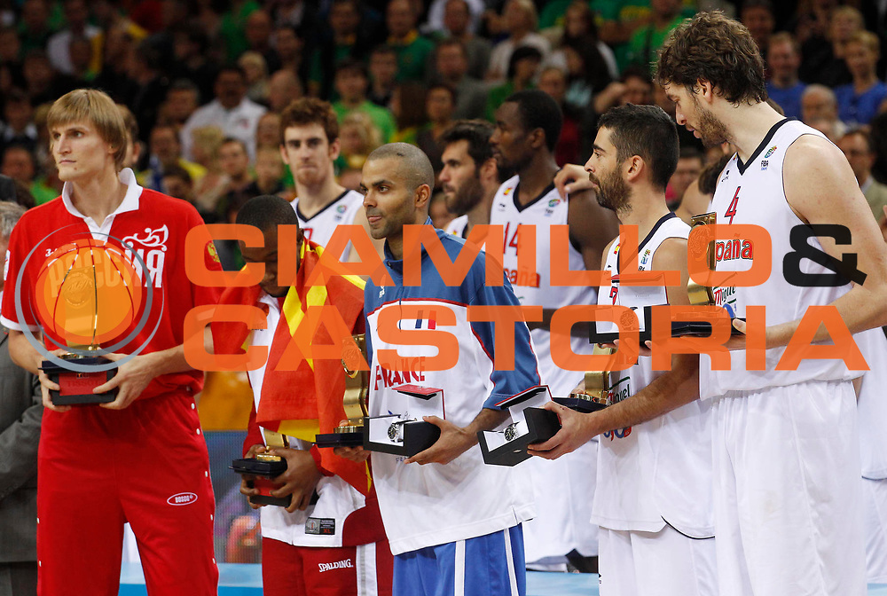 DESCRIZIONE : Kaunas Lithuania Lituania Eurobasket Men 2011 Finale Primo Secondo Posto Final Spagna Francia Spain France<br /> GIOCATORE : Tony Parker Andrei Kirilenko Bo McCalebb Juan Carlos Navarro Pau Gasol<br /> SQUADRA : France Francia<br /> EVENTO : Eurobasket Men 2011<br /> GARA : Spagna Francia Spain France<br /> DATA : 18/09/2011 <br /> CATEGORIA : esultanza jubilation<br /> SPORT : Pallacanestro <br /> AUTORE : Agenzia Ciamillo-Castoria/L.Kulbis<br /> Galleria : Eurobasket Men 2011 <br /> Fotonotizia : Kaunas Lithuania Lituania Eurobasket Men 2011 Finale Primo Secondo Posto Final Spagna Francia Spain France<br /> Predefinita :