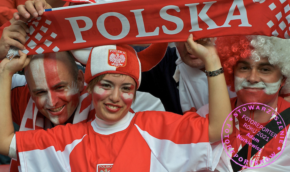 POLAND'S SUPPORTERS BEFORE SOCCER MATCH BETWEEN POLAND AND GERMANY ON WORTHERSEE STADIUM DURING FOOTBALL EUROPEAN CHAMPIONSHIPS EURO 2008 IN KLAGENFURT, AUSTRIA..KLAGENFURT , AUSTRIA , JUNE 8, 2008.( PHOTO BY ADAM NURKIEWICZ / MEDIASPORT )..PICTURE ALSO AVAIBLE IN RAW OR TIFF FORMAT ON SPECIAL REQUEST.