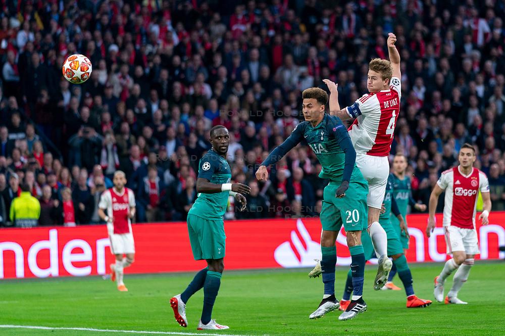 08-05-2019 NED: Semi Final Champions League AFC Ajax - Tottenham Hotspur, Amsterdam<br /> After a dramatic ending, Ajax has not been able to reach the final of the Champions League. In the final second Tottenham Hotspur scored 3-2 / Matthijs de Ligt #4 of Ajax scores 1-0, Dele Alli #20 of Tottenham Hotspur