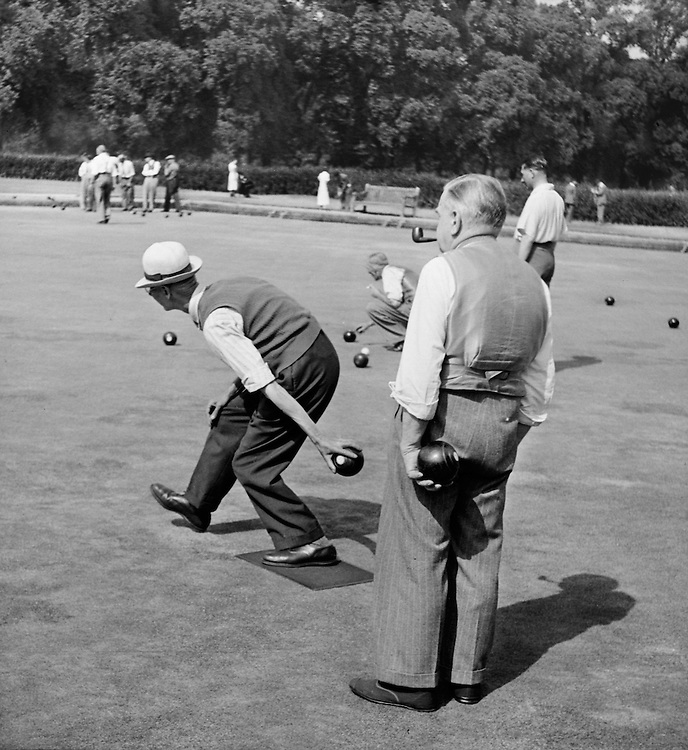 Lawn Bowls, Hyde Park, London, c.1939