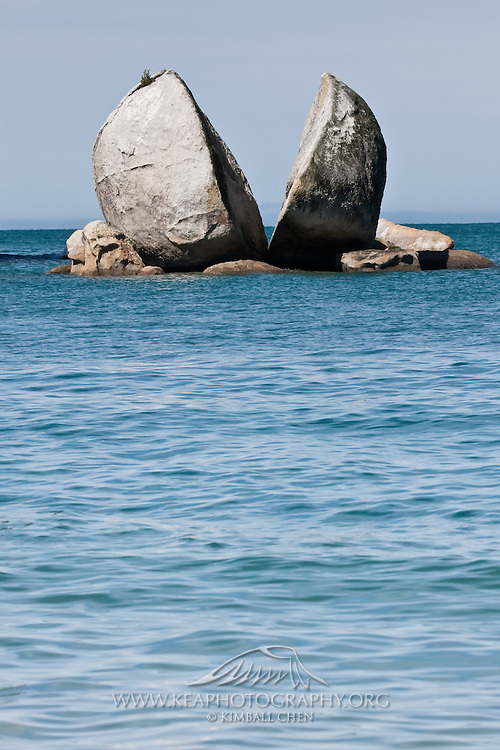 Split Apple Rock, Abel Tasman, New Zealand