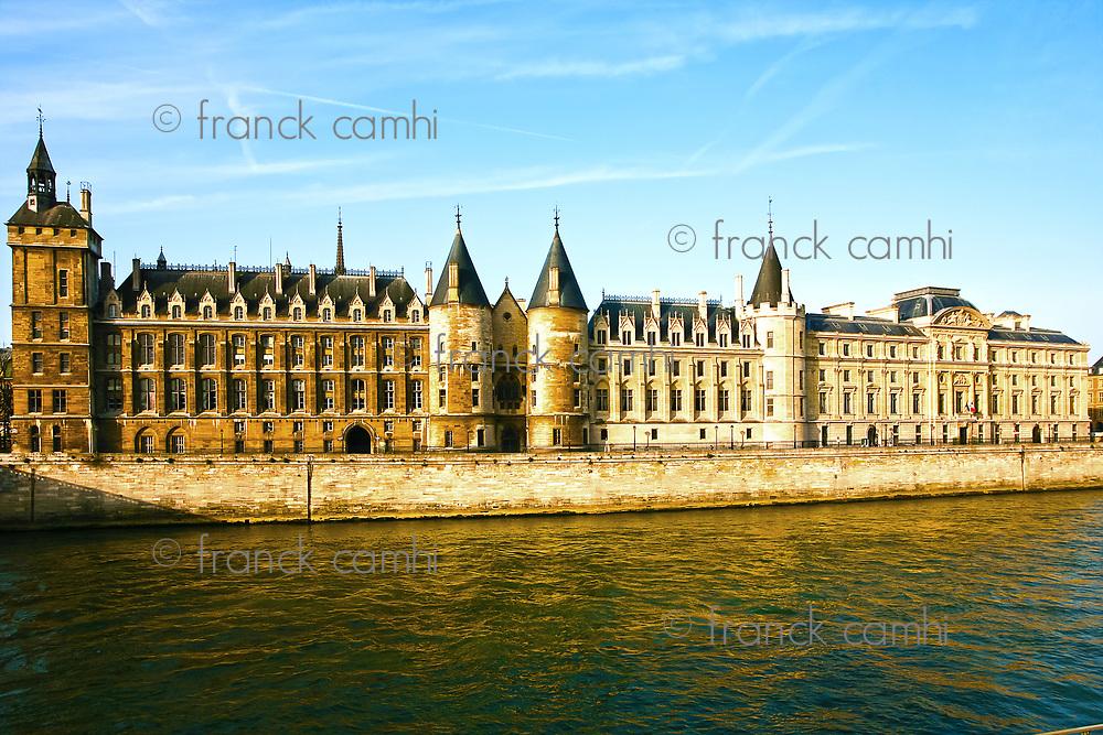 la Conciergerie Paris la seine  riverside france