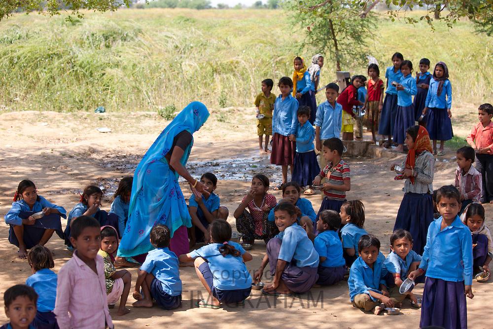Indian schoolchildren attending school at Doeli in Sawai Madhopur, Rajasthan, Northern India