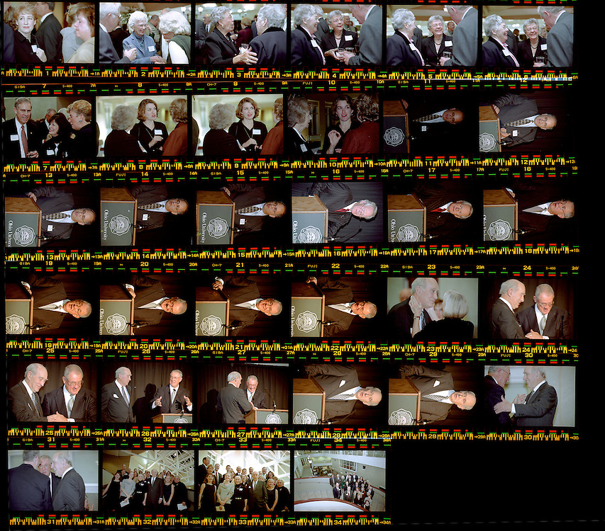 15098Foundation Board Dinner Nov. 2001 Photos by: John McGann