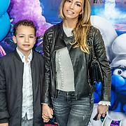 NLD/Amsterdam/20170318 - première De Smurfen en het Verloren Dorp, Christie Bokma en zoon