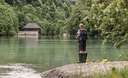 THEMENBILD - ein Fliegenfischer steht am Ufer eines Sees und hält seine Fischerangel ins Wasser, aufgenommen am 09. Juni 2019, Kaprun, Österreich // a fly fisherman stands on the shore of a lake and holds his fishing rod into the water on 2019/06/09, Kaprun, Austria. EXPA Pictures © 2019, PhotoCredit: EXPA/ Stefanie Oberhauser