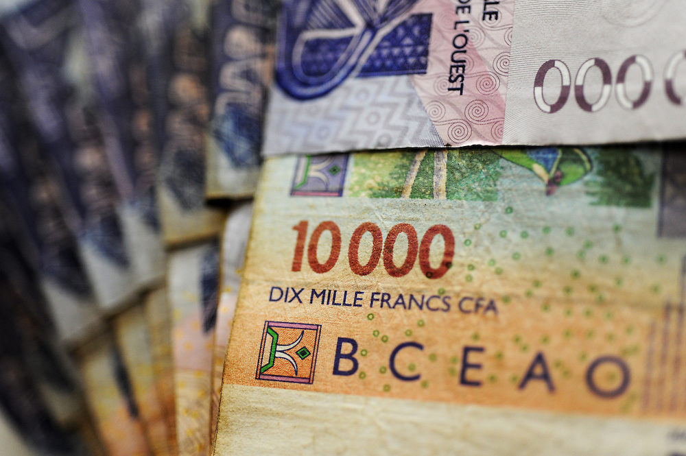 11-12-20  --  LOMÉ, TOGO  -- 10 000 CFA notes in Togo.  Photo by Daniel Hayduk