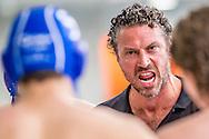 25-04-2014 : WATERPOLO : AZC - GZC DONK : ALPHEN AAN DEN RIJN<br /> <br /> Coach Arno Havenga van GZC Donk<br /> Play-offs Eredivisie Heren - Seizoen 2013 / 2014<br /> <br /> Foto: Gertjan Kooij