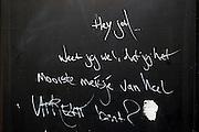 Liefdesbetuiging voor een meisje op een deur in Utrecht.<br /> <br /> A sign says 'Hey you, do you know you are the prettiest girl of Utrecht?'