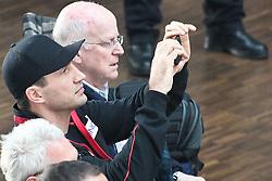 16.03.2010, Mercedes-Benz, Koeln, GER, Weltmeisterschaft Schwergewicht, Schautraining Dr. Vitali Klitschko (GER) und .Odlanier Solis (Kuba) vor ihrem Kampf im Maerz, im Bild:  Vladimir Klitschko schaut sich das training genau an  EXPA Pictures © 2011, PhotoCredit: EXPA/ nph/  Mueller       ****** out of GER / SWE / CRO  / BEL ******