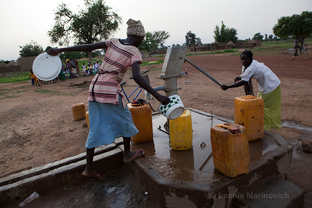 23 June 2010, Rapadama Village 4. Girls collecting water from the pump.