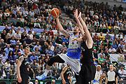 DESCRIZIONE : Beko Legabasket Serie A 2015- 2016 Dinamo Banco di Sardegna Sassari - Pasta Reggia Juve Caserta<br /> GIOCATORE : Joe Alexander<br /> CATEGORIA : Tiro Penetrazione<br /> SQUADRA : Dinamo Banco di Sardegna Sassari<br /> EVENTO : Beko Legabasket Serie A 2015-2016<br /> GARA : Dinamo Banco di Sardegna Sassari - Pasta Reggia Juve Caserta<br /> DATA : 03/04/2016<br /> SPORT : Pallacanestro <br /> AUTORE : Agenzia Ciamillo-Castoria/C.Atzori