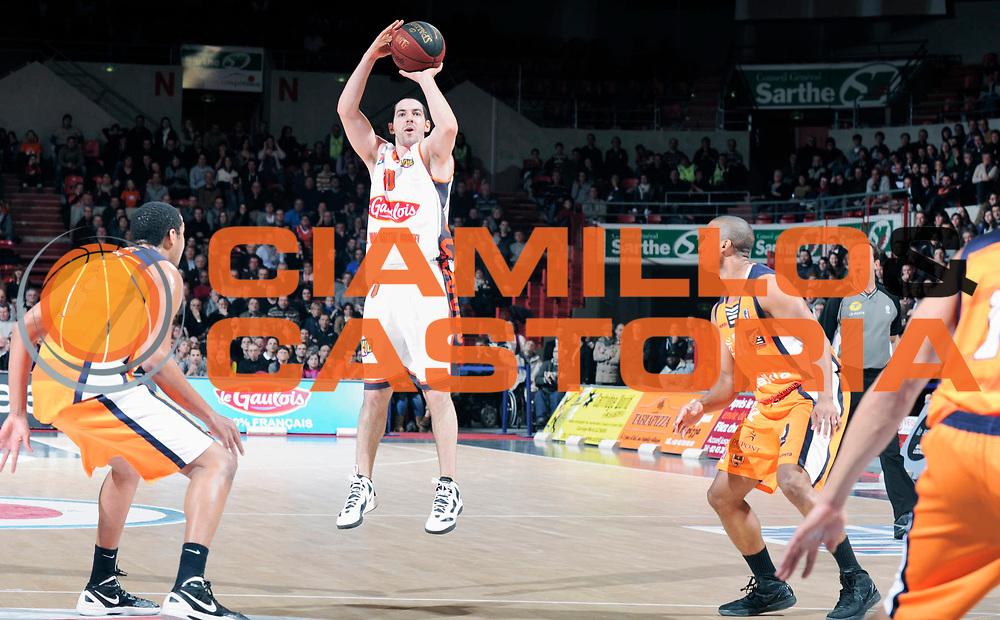 DESCRIZIONE : Championnat de France Pro A Antares Le Mans<br /> GIOCATORE : ROCHESTIE Taylor<br /> SQUADRA : Le Mans<br /> EVENTO : Pro A <br /> GARA : Le Mans Gravelines<br /> DATA : 11/02/2012<br /> CATEGORIA : Basketball France Homme<br /> SPORT : Basketball<br /> AUTORE : JF Molliere<br /> Galleria : France Basket 2011-2012 Action<br /> Fotonotizia : Championnat de France Basket Pro A<br /> Predefinita :