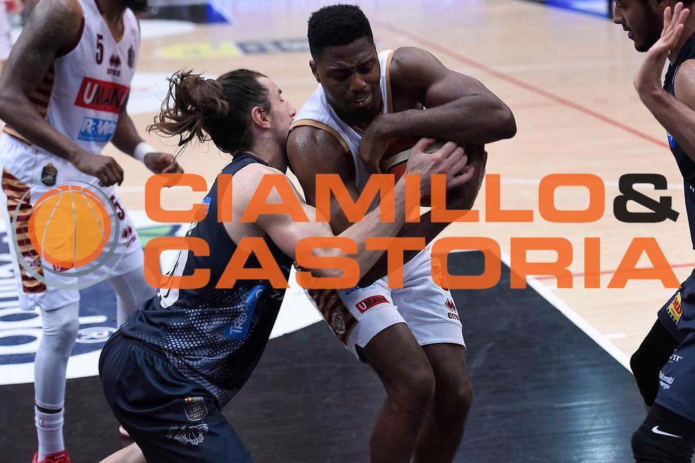 Melvin Ejim, Andres Pablo Toto Forray<br /> Dolomiti Energia Aquila Basket Trento - Umana Reyer Venezia<br /> Lega Basket Serie A 2016/2017<br /> Playoff, finale gara 3<br /> Trento, 14/06/2017<br /> Foto Ciamillo-Castoria