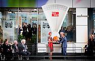 1-10-2014  ROTTERDAM - Koningin Maxima opent woensdagmiddag 1 oktober Markthal Rotterdam. De overdekte markt in het centrum van de stad richt zich met een versmarkt, winkels en horecagelegenheden volledig op goed voedsel. COPYRIGHT ROBIN UTRECHT