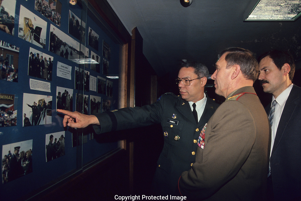 Chairman of the Joint Chiefs of Staff General Colin Powell greets General Mikhail Moiseyev, minister of Defense USSR  on Octer 11, 1990..Photograph by Dennis Brack bb30