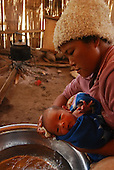 new born mother in kachin IDPs (jeyang)