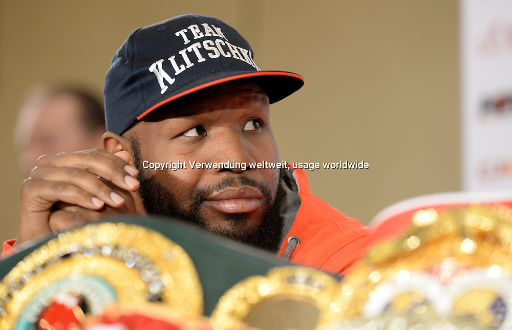 Boxing trainer Johnathon Banks of Wladimir Klitschko sits on 22/04/2014 at a press conference in Dusseldorf Germany. The boxer Leapai competes on 04.26.2014 in Oberhausen as a challenger against Klitschko. Photo: Matthias Balk / dpa