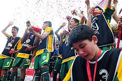 Lance da partida entre as equipes Candido Menezes x Colegio Farroupilha válida pela copa Coca-Cola, no Estadio Candido de Menezes, neste sabado 24/09/2011, em Porto Alegre. FOTO: Marcelo Campos/Preview.com