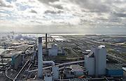 Nederland, Zuid-Holland, Rotterdam, 23-10-2013; Maasvlakte met de nieuwe Maasvlakte Power Plant 3 (MPP3) van E.ON in de voorgrond. In de achtergrond de oude kolengestookte Centrale Maasvlakte. In de verre achtergrond de Tweede Maasvlakte (MV2).<br /> Maasvlakte Power Plant 3 (MPP3) van E.ON and in the background the older coal-fired Maasvlakte Power Plant.<br /> luchtfoto (toeslag op standard tarieven);<br /> aerial photo (additional fee required);<br /> copyright foto/photo Siebe Swart