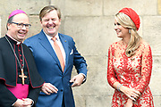 Zijne Majesteit Koning Willem-Alexander en Hare Majesteit Koningin Máxima brengen een werkbezoek aan de Duitse deelstaten Rijnland-Palts en Saarland.<br /> <br /> His Majesty King Willem-Alexander and Her Majesty Queen Máxima paid a working visit to the German federal states of Rhineland-Palatinate and Saarland.<br /> <br /> op de foto / On the Photo: Bezichtiging Dom Sint Pieter en Onze-Lieve-Vrouwekerk, de oudste bisschoppelijke kerk in Duitsland / View St. Peter's Cathedral and Our Lady's Church, the oldest episcopal church in Germany