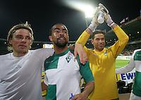 Fussball  UEFA Pokal  Viertelfinale  Rueckspiel  Saison 2006/2007 SV Werder Bremen - AZ Alkmaar              Bremer Jubel nach dem Abpfiff: Clemens FRITZ, Patrick OWOMOYELA und Torwart Tim WIESE (v.l., alle Bremen)