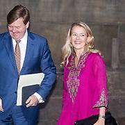 NLD/Amsterdam/20161215 - Koninklijke Familie bij uitreiking Prins Claus Prijs 2016, Koning Willem Alexander en Prinses Mabel