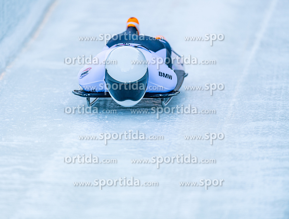 17.01.2020, Olympia Eiskanal, Innsbruck, AUT, BMW IBSF Weltcup Bob und Skeleton, Igls, Skeleton, Herren, 1. Lauf, im Bild Wengang Yan (CHN) // Wengang Yan of China in action during his 1st run of men's Skeleton competition of BMW IBSF World Cup at the Olympia Eiskanal in Innsbruck, Austria on 2020/01/17. EXPA Pictures © 2020, PhotoCredit: EXPA/ Stefan Adelsberger