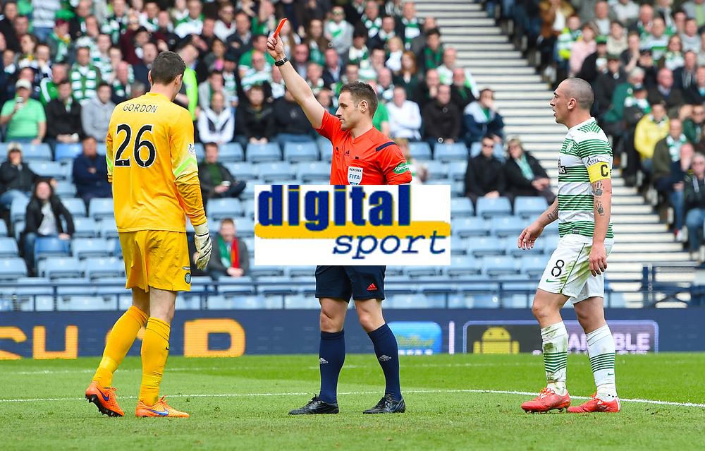 19/04/15 WILLIAM HILL SCOTTISH CUP SEMI-FINAL<br /> INVERNESS CT v CELTIC<br /> HAMPDEN - GLASGOW<br /> Celtic goalkeeper Craig Gordon (left) is sent off by referee Steven McLean