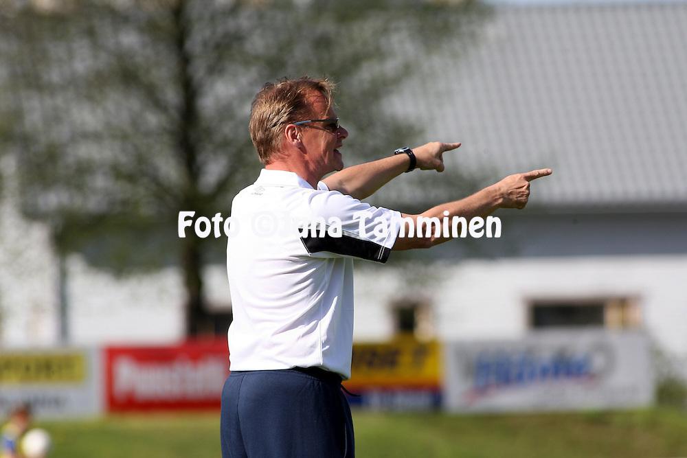 10.05.2008, Kauriala, H?meenlinna, Finland..Ykk?nen 2008.FC H?meenlinna - AC Oulu.Valmentaja Juha Malinen - AC Oulu.©Juha Tamminen.....ARK:k