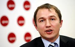 PRISTINA, KOSOVO - DECEMBER 14 - Akan Izmaili, direktor IPKO Net na novinarski konferenci, kjer so predstavili zacetek delovanja drugega mobilnega operaterja IPKO, ki je v 67% lasti Telekoma Slovenije.